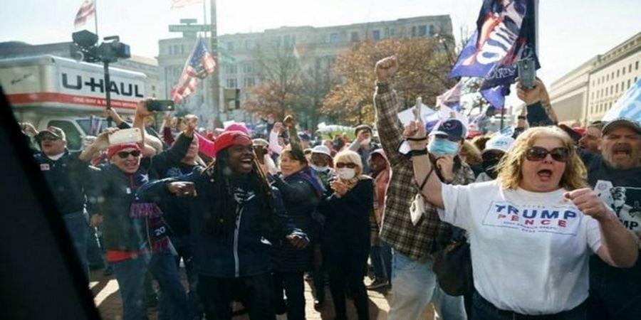 مردم آمریکا به خیابان ریختند/ تظاهرات بزرگ علیه بایدن به راه افتاد