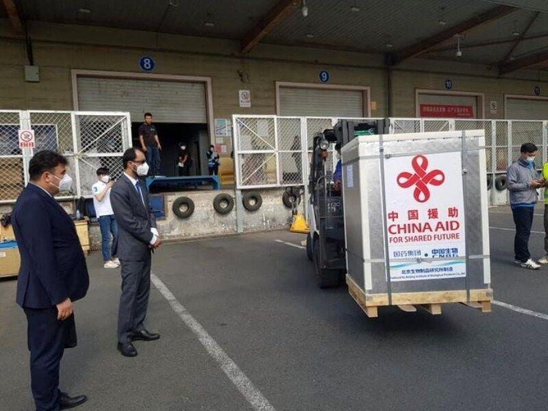 ۷۰۰ هزار دوز واکسن کرونا اهدایی چین رسید!