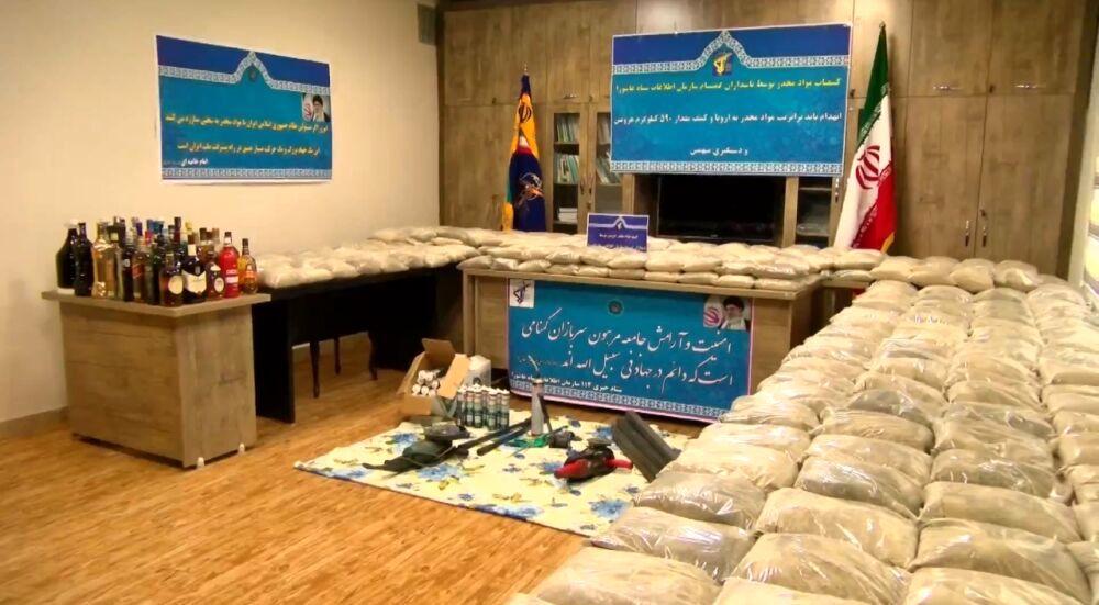 کشف یک تن و۵۵۷ کیلوگرم مواد مخدر در جنوب کشور