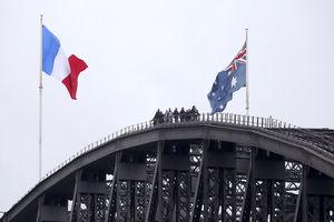 خنجر آمریکا در قلب اروپا جا خوش کرد/ انگلیس شریک اصلی است!