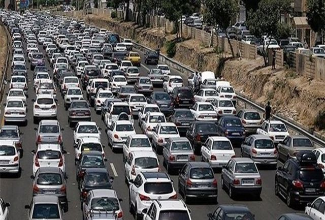 آخرین وضعیت ترافیکی جادههای کشور/ محورهای مواصلاتی استان مازندران بارانی است