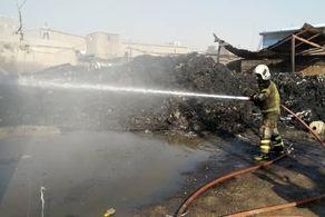 وقوع آتش سوزی گسترده در کارخانه جاده خاوران+ عکس