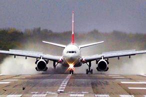 فرود معجزه آسای هواپیما به هنگام طوفان شدید+ فیلم