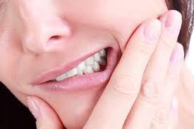 آشنایی با درمان فوری و تسکین دندان درد با چند روش ساده و خانگی
