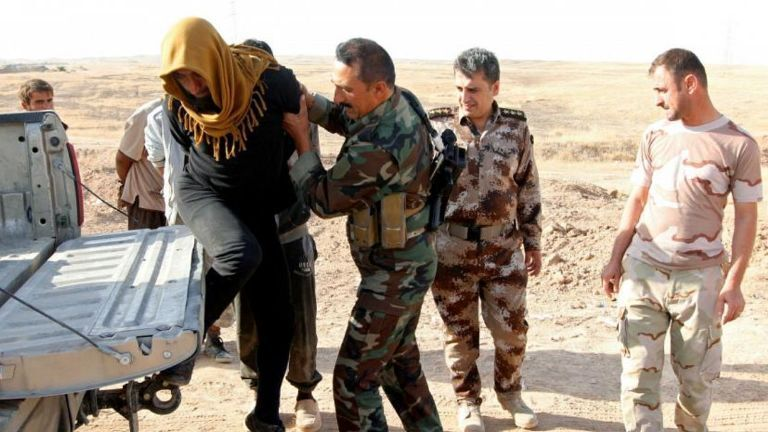 مخفیگاه داعش منهدم شد!