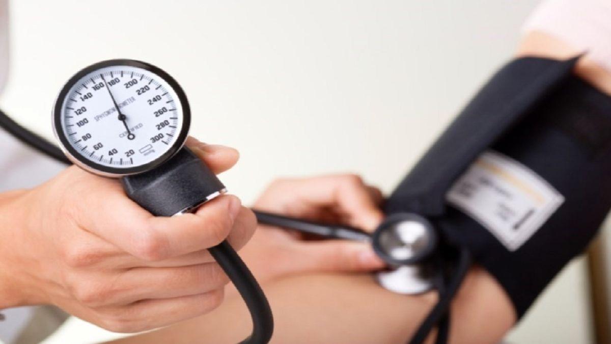 برای کنترل موثر فشار خون، این 7 ماده غذایی را روزانه مصرف کنید!
