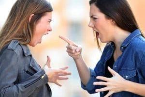 شکایت بخاطر حسادت به لاغری همسایه!+جزئیات