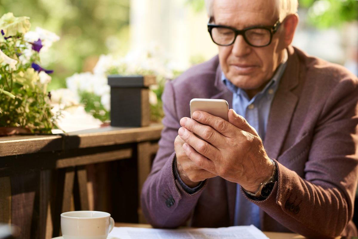 افزایش تعداد کاربران سالمند از گوشیهای هوشمند