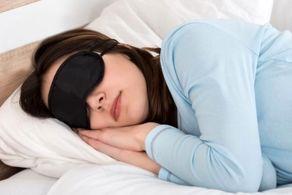 چرا خوابیدن روی پهلوی چپ برای سلامتی خوب است؟