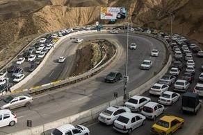 ترافیک فوق سنگین ۱.۵ کیلومتری در محور هراز
