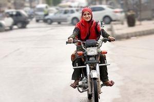 شرط دریافت گواهینامه موتورسیکلت برای زنان چیست؟